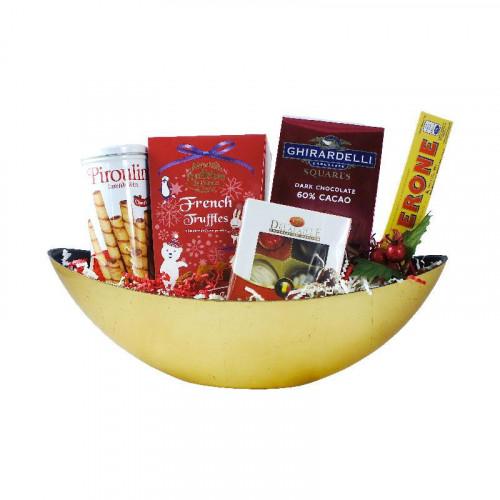 Canasta navideña con chocolates